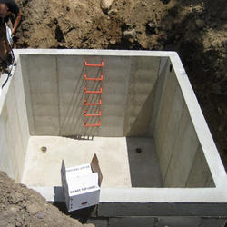 /uploads/images/hinh-anh/sewage-water-tank-waterproofing-service-250x250.jpg